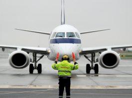 LOT E195 1 samolot