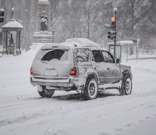 Śnieg samochód