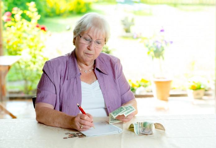 Na co seniorom brakuje gotówki?