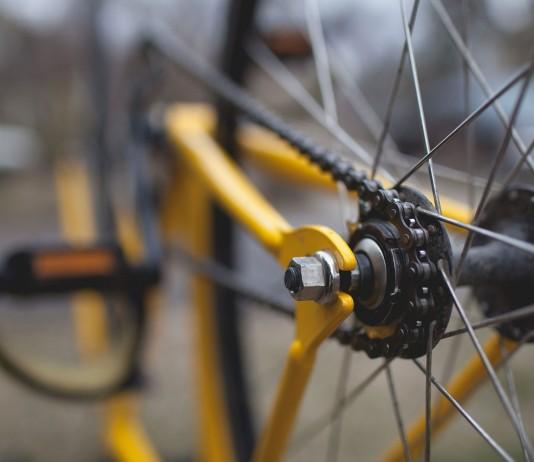 Więcej wypadków na rowerach – Policja ostrzega i publikuje statystyki