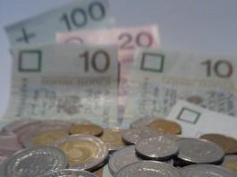 Jak bardzo jesteśmy zadłużeni? Po jakie kredyty sięgamy? Czy w najbliższych latach przybędzie kredytobiorców?