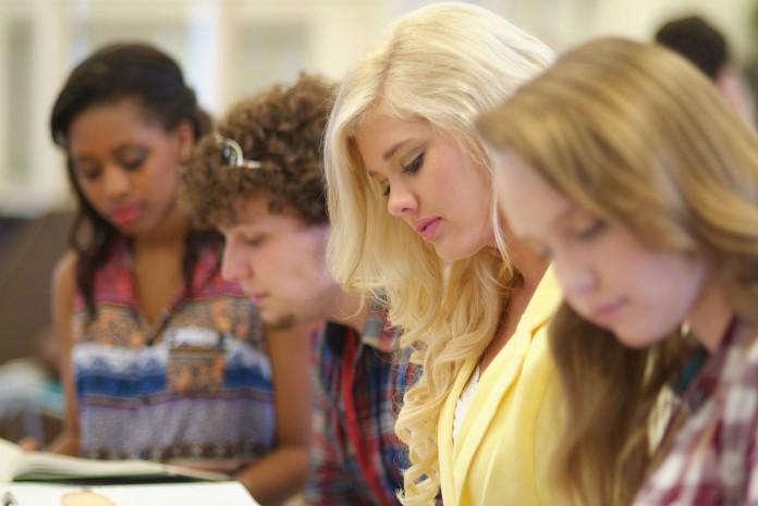 Jak najkorzystniej sfinansować studia