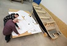 Zdjęcia z procesu projektowania i produkcji łodzi Admiral Boats