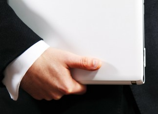 praca laptop