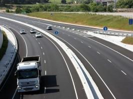 autostrada ciężarówka transport