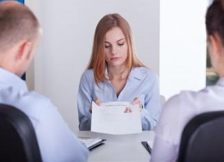 Rozmowa o pracę: Chcesz wypaść profesjonalnie? Nie popełniaj tych błędów