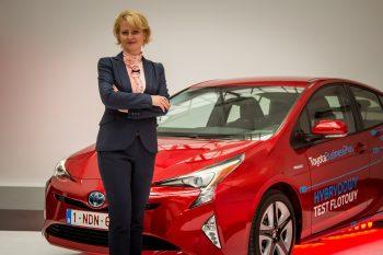Przekazanie nowej Toyoty Prius 4 generacji