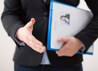 Kłamiemy w CV = praca i kariera