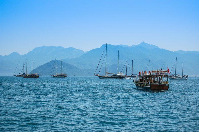 morze statki turystyka