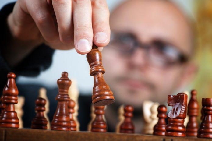 szachy strategia