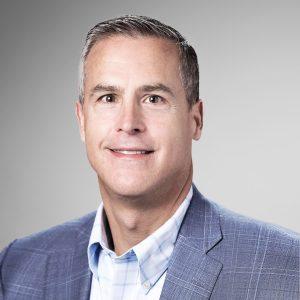 Peter C. McKay - prezes i dyrektor operacyjny (COO) w Veeam Software