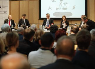 Relacja z debaty bilateralnej