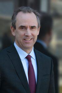 Prezes Grupy LafargeHolcim Eric Olsen