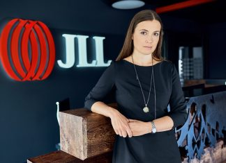 Anna Młyniec, JLL