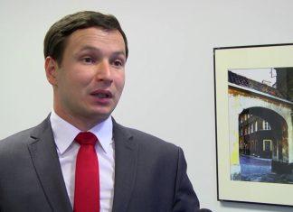 Minister finansów nie powinien oszczędzać na inwestycjach