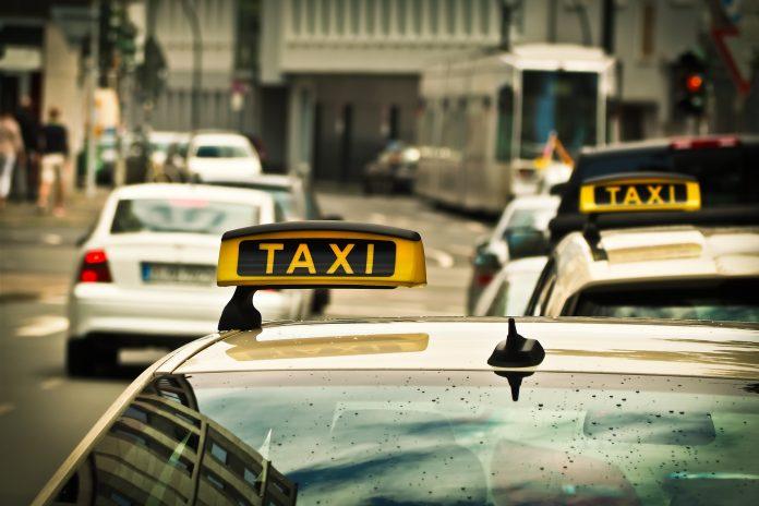 taxi samochód