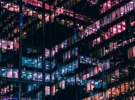 biura outsourcing biurowiec pracownik