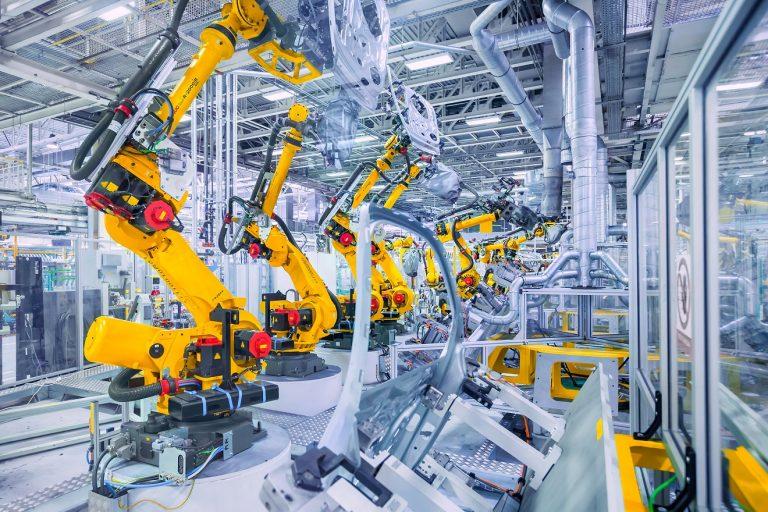 Inwestycje w smart fabryki mogą przynieść światowej gospodarce nawet 1,5 bln dolarów