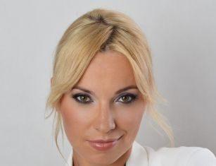 Izabela Sakowicz – marketing manager – Engave