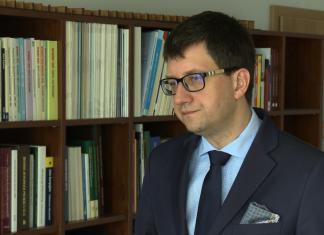 Resort zdrowia proponuje kontrowersyjną zmianę w ustawie refundacyjnej. Ucierpieć mogą polscy producenci leków