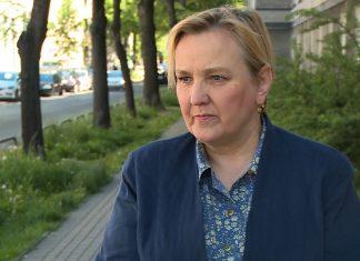 Unia kończy z roamingiem, ale Polacy wciąż będą za niego płacić. Regulatorzy rynku grożą operatorom karami finansowymi