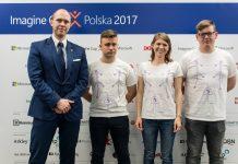 Idea_hunters, od lewej: mjr dr. inż. Mariusz Chmielewski (mentor zespołu), Paweł Pieczonka, Magdalena Lebiedziewicz, Bartosz Dudziński
