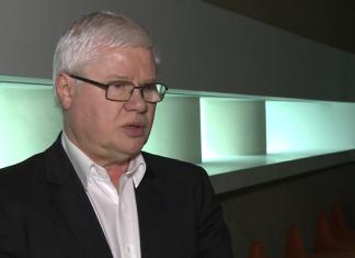 Prof. J. Hausner: Wracają stare zagrożenia na rynkach finansowych. Ryzykiem zbyt wysokie zadłużenie