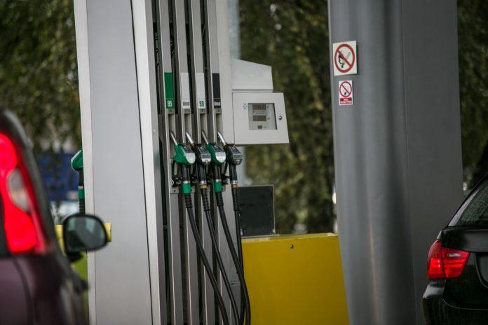 stacja benzynowa paliwo benzyna ropa