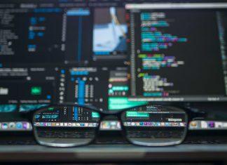 cyberbezpieczeństwo haker programista