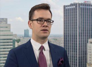 Jakub Olipra, ekonomista banku Credit Agricole