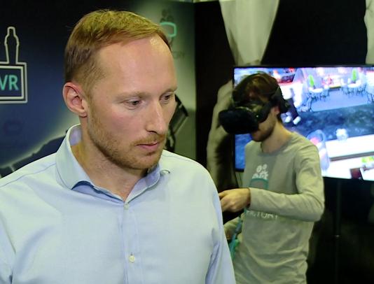 Pierwszy na świecie symulator pracy barmana powstał w Polsce. Dzięki specjalnym okularom VR pozwala na opanowanie sztuki barmańskiej