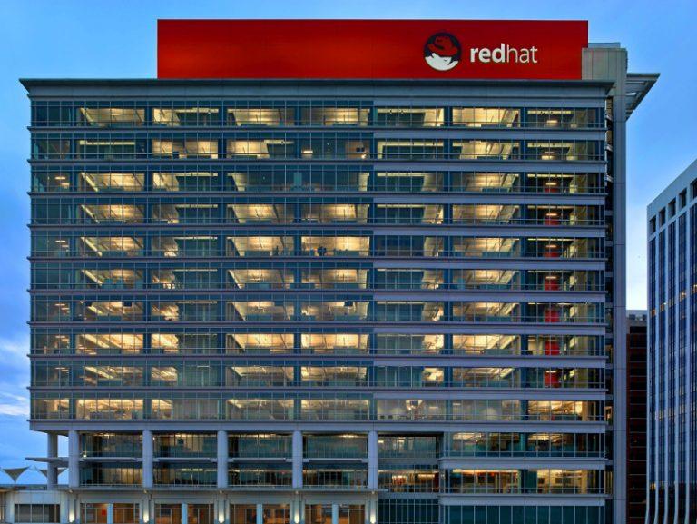 Dwudziestolecie ruchu open source. Historia otwartego oprogramowania z perspektywy firmy Red Hat