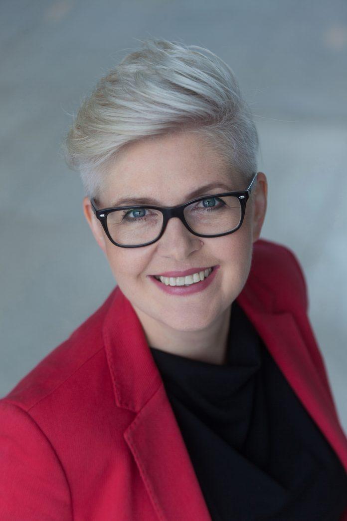 Magdalena Frątczak, Szef Działu Powierzchni Handlowych w CBRE