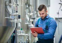 praca przemysł fabryka Jakie są zalety pracy na produkcji?
