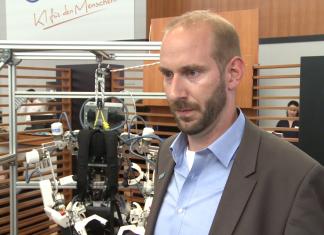 Robotyczne szkielety zastępujące ludzkie mięśnie są coraz doskonalsze. Pomagają w rehabilitacji i pozwolą także stworzyć superżołnierzy