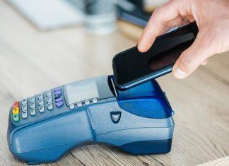 Płatności mobilne na celowniku hakerów – zagrożeni nie tylko klienci_