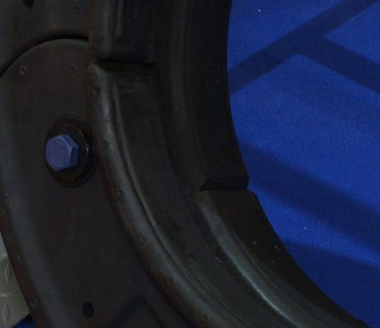 Koło wynalezione na nowo. Modułowe opony z włókna węglowego umożliwią kontynuowanie jazdy nawet po ich przebiciu