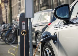 Charging an electric car in public station