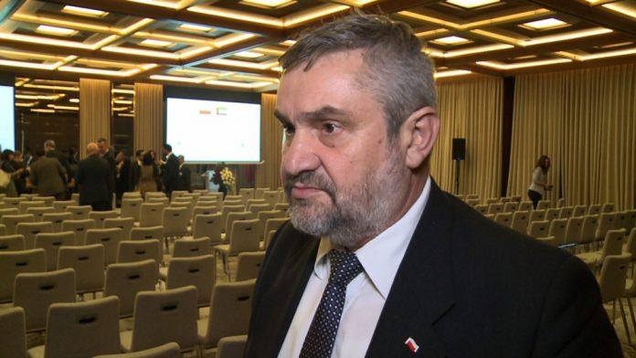 Minister rolnictwa: Rośnie eksport polskiej żywności do Zjednoczonych Emiratów Arabskich. Zapotrzebowanie jest na mięso halal, produkty mleczne czy słodycze