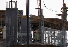 budowa praca pracownik