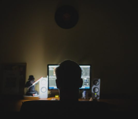 programista komputer haker internet