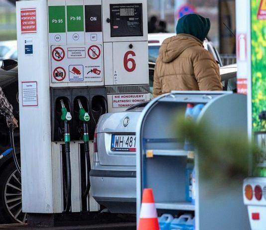 stacja benzynowa paliwa ropa