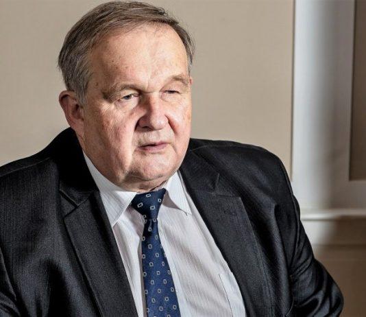 Dr Andrzej Maria Faliński
