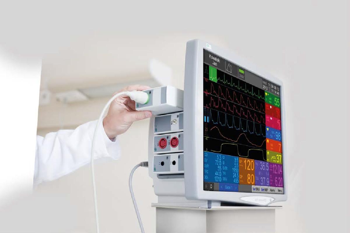 Prototyp obudowy został wykonany za pomocą drukarki 3D _ Kardiomonitor modułowy [1]