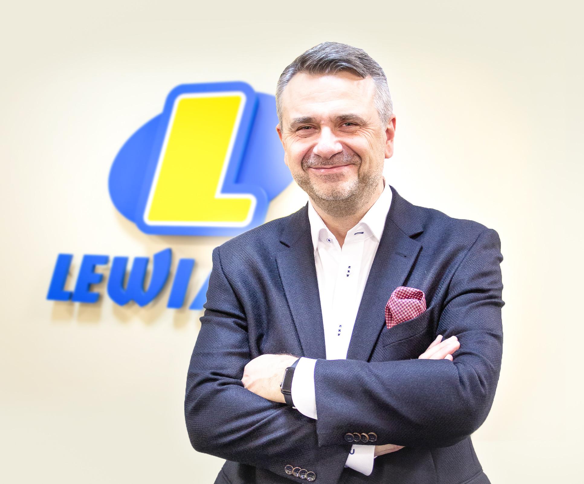 Robert Rękas - Lewiatan Holding S.A.