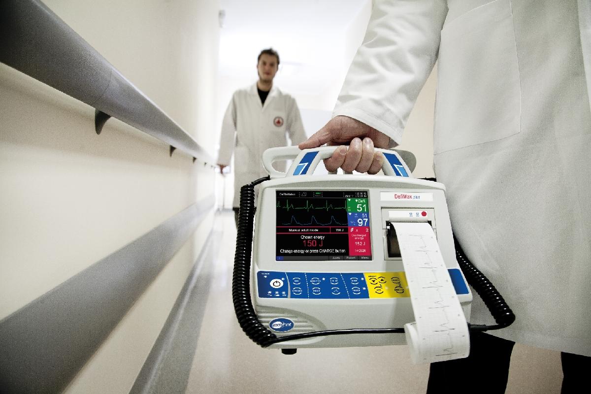 W defibrylatorach firmy Emtel znajdują się wydrukowane części karaksu dławika _ wykorzystanie w produkcji małoseryjnej [1]