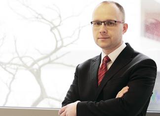 Łukasz Białek, ekonomista i analityk gospodarczy
