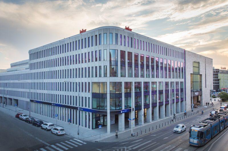 Firma Olympus na otwarcie oddziału OBSE wybrała mieszczący się we Wrocławiu prestiżowy biurowiec Retro Office House