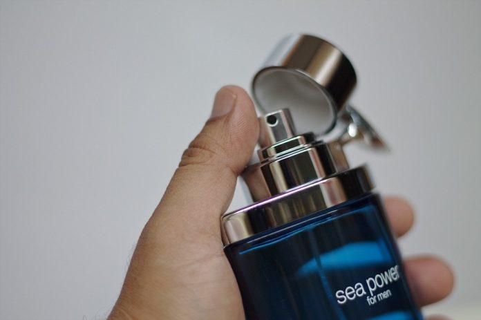 Perfumy w miejscu pracy. Na ile mozemy sobie pozwolic