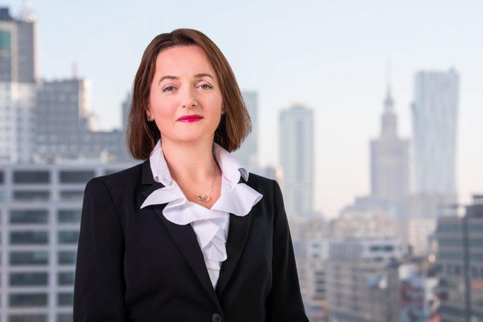 Rowena Everson, dyrektor zarządzająca globalnym centrum usług Standard Chartered w Polsce